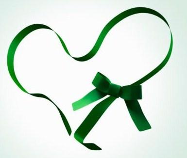 O laço verde é o símbolo da Gentileza no Namoro. Compartilhe essa ideia!