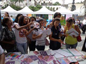 Aline Vieira fala sobre o uso do preservativo feminino