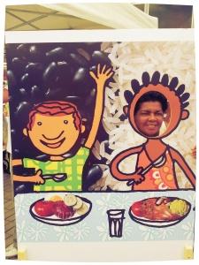 No Parque Madureira, réplica do postal da saúde sobre alimentação saudável encantou o público.