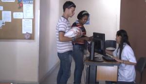 O pai está: visita da família à unidade de saúde é ponto de partida para debate sobre paternidade