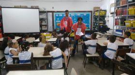 RAP da Saúde realizando atividade educativa para os alunos da Escola Municipal