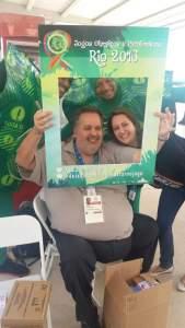 Profissional apoiador do RAP da Saúde Celso Vieira e a gerente de hepatites virais Márcia Zatar